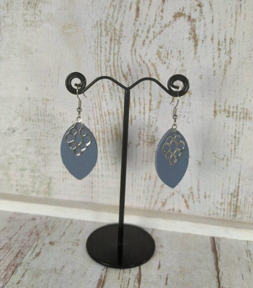 boucles d'oreilles minimalistes en cuir bleu pastel