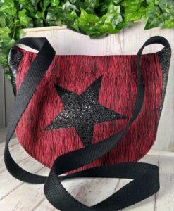 sac bandoulière en textile rouge et noir